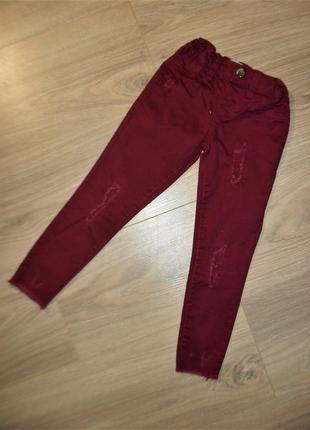 Тонкие стильные джинсы на 3-4годика