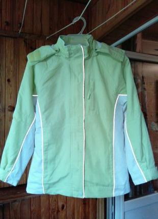 Ветровка. Курточка легкая осень-весна на р.128-138, есть замеры