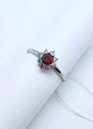 Кольцо серебряное с красным камнем