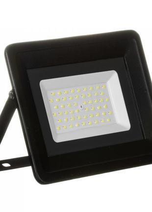 Светодиодный прожектор 220В AVT-4 70Вт 6000К IP65