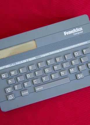 Компютер SPELLMASTER QE-103 (1987 года)
