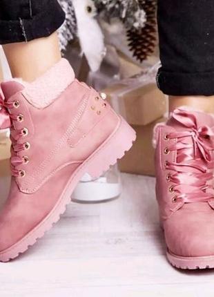 Модные розовые зимние ботинки из нубука, трековоя подошва