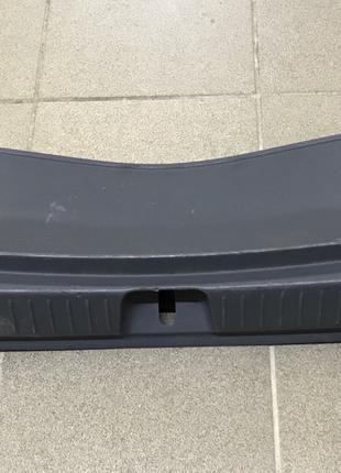 Накладка замка проёмов багажника Chevrolet Bolt EV 94556642