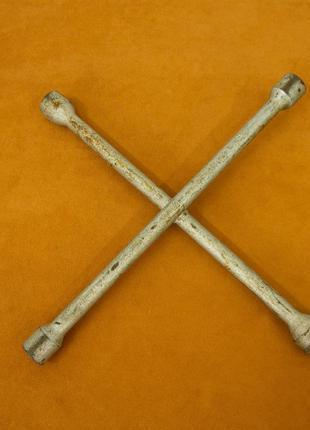 Шиномонтажный ключ
