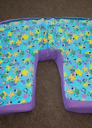 Подушка для кормления двух детей одновременно