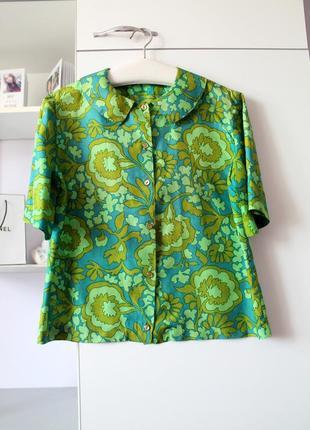 Изумрудн-зеленая блуза ручной работы