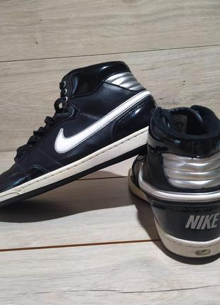 Кроссовки Nike  размер 40