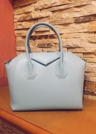 Кожаная сумка в голубом цвете (италия)