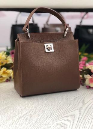 Коричневая кожаная сумка италия