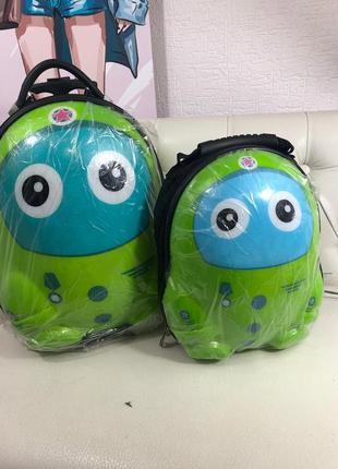 Детский чемодан  и рюкзак (комплект)