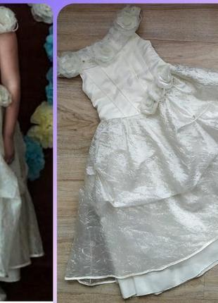 5-7лет нарядное пышное,бальное платье,цвет шампань