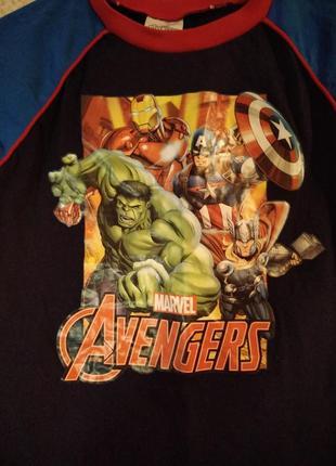 Очень классная футболка на мальчика 9-10 лет marvel