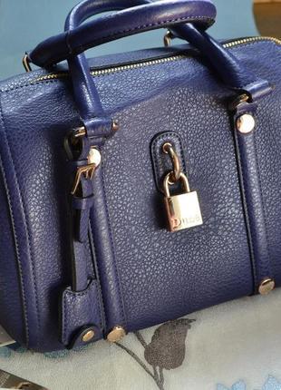 Красивая синяя сумка