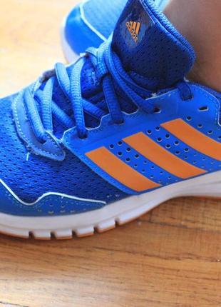 Кроссовки спорт обувь