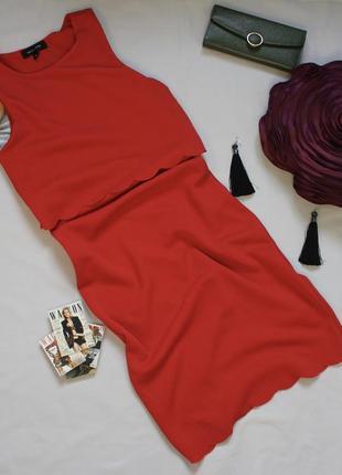 Красное облагающее платье средней длины размер с