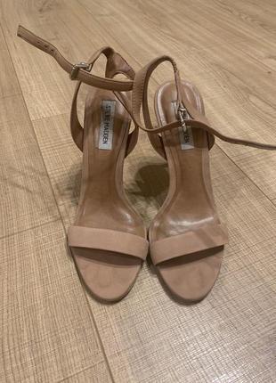 Женские туфли Steve Madden