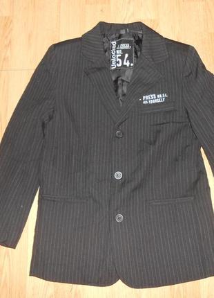 Пиджак на мальчика 10-11 лет