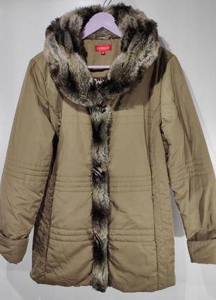 Женская куртка осень - зима на легком синтепоне размер 38