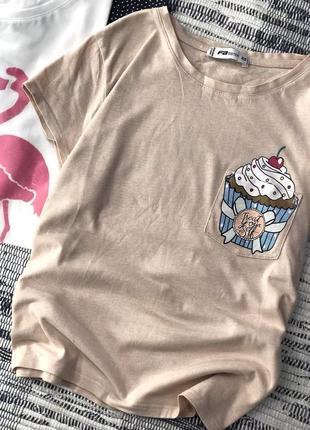 Хлопковая пудровая футболка с пирожным fbsister