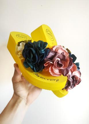 Вьетнамки с цветком на танкетке желтые с цветками шлепки шлепанцы