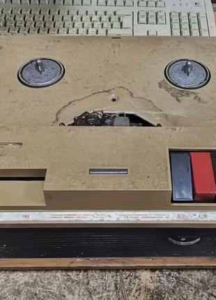 """Катушечный магнитофон """"Дайна"""" (Эльфа-29). Ламповый вариант."""