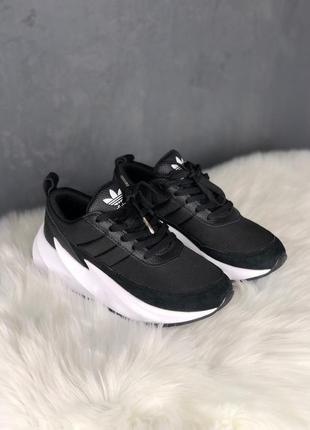 Кроссовки: adidas sharks black white.