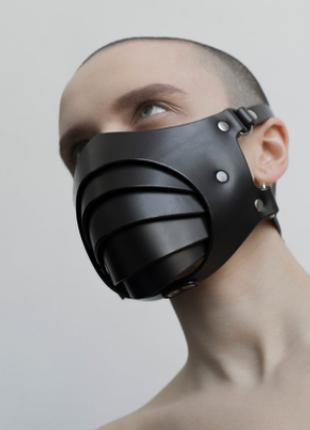 Кожаная маска ручной работы