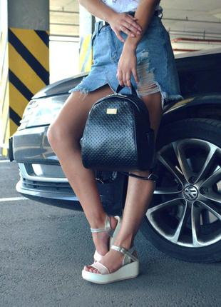 """Женский черный рюкзак """"Stefany"""" 32, с перфорацией"""