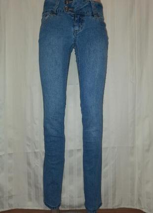 Брюки джинсовые, дудочки. s