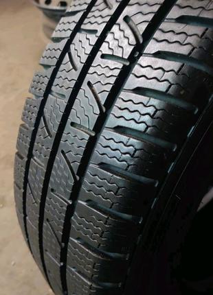 Пара зимних грузовых шин Pirelli Carrier Winter 215/65 r16c