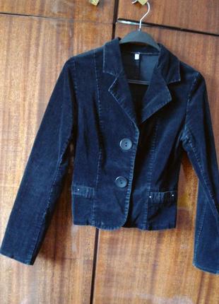 Вельветовый черный пиджак