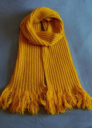 Яркий теплый оранжево-желтый шарф