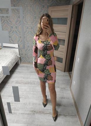 Большой выбор платьев - платье миди со спущенными плечами и вы...