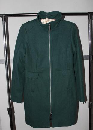 Поделиться:  пальто красивого изумрудного цвета h&m