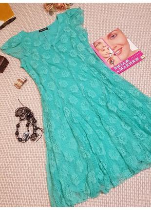 Кружевное платье мятного цвета alexara