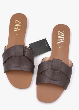 Удобные коричневые тапочки zara