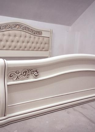 Ліжко з натурального дерева