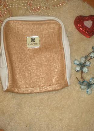 Дуже класна вмістка якісна косметичка на замочку (сумочка, кей...