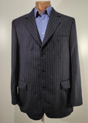 Мужской темно - синий костюм в полоску размер 50