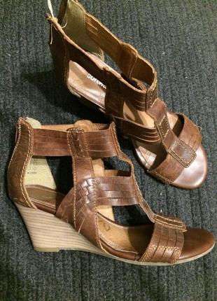 Softwalk кожаные сандали босоножки на платформе танкетке 24.5-...