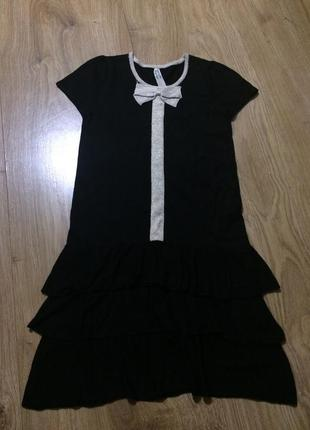 Стильное платье с оригинальным декором