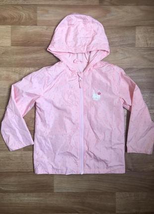 Симпатичная курточка ветровка