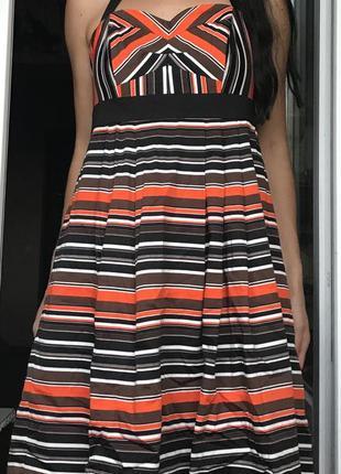 Оригинальное яркое платье сарафан