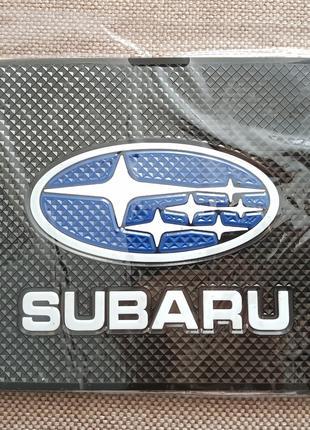 Subaru - Антискользящий коврик на торпедо