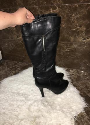 Зимние сапоги на каблуке из эко кожи с мехом внутри / очень те...