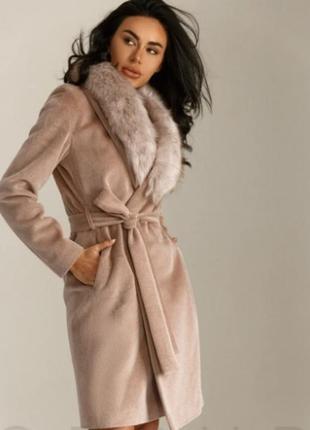 Пальто классическое с мехом