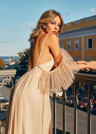 Платье с открытыми плечами exclusive