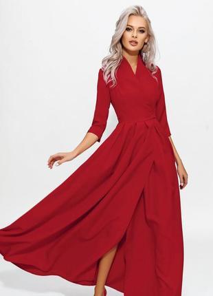 Эффектное вечернее платье с вырезом по ноге red