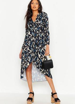 Платье на запах в принт, ассиметричное миди с длинным рукавом