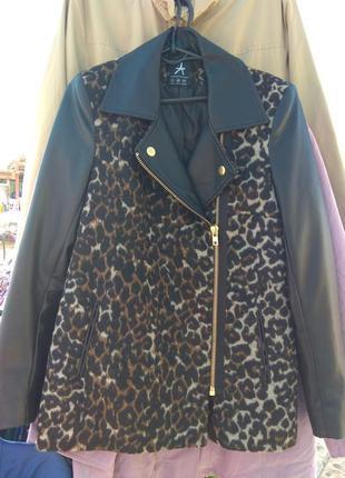 Укороченное женское пальто
